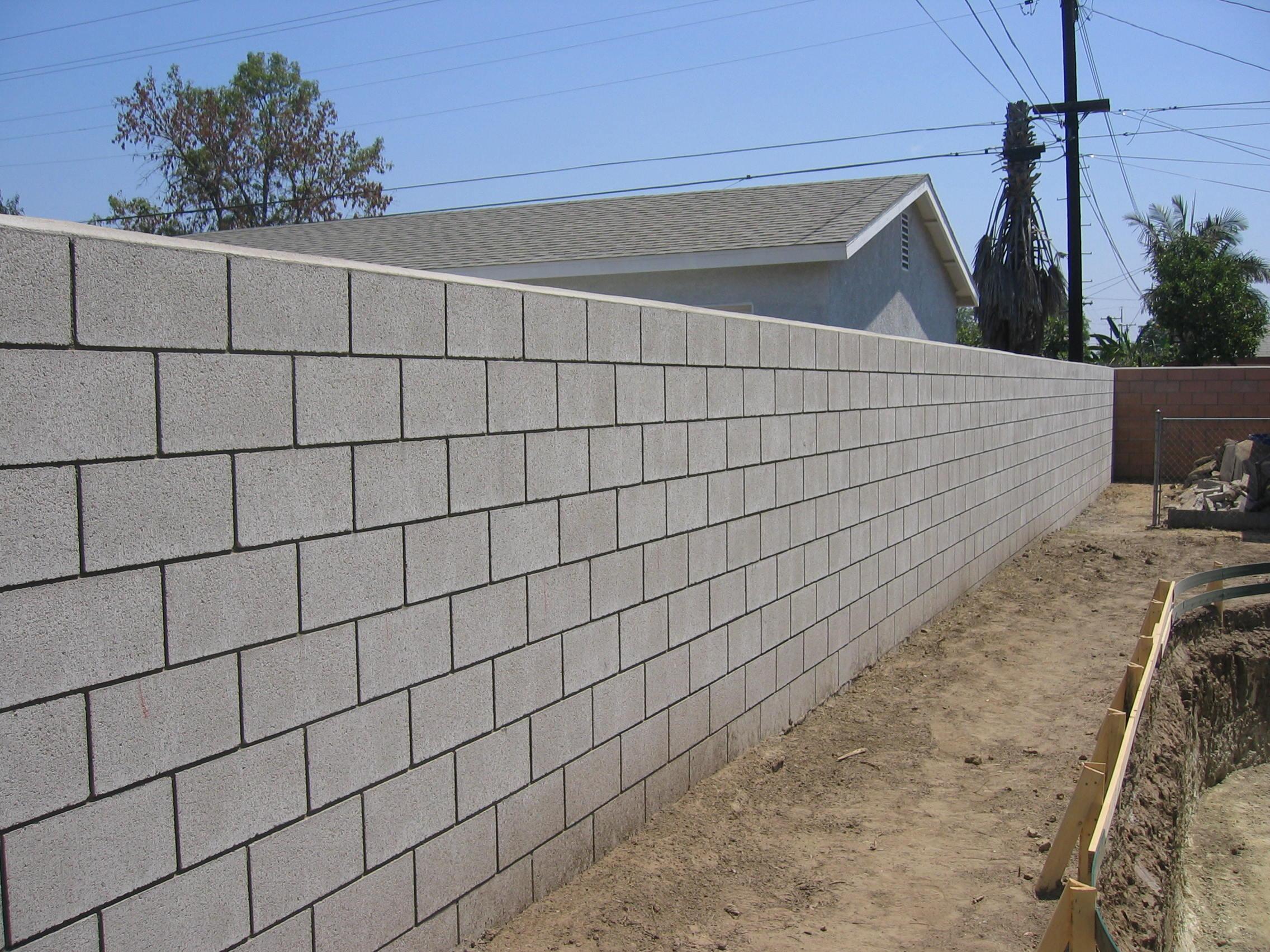 Concrete block fence car interior design - Muro de bloques ...